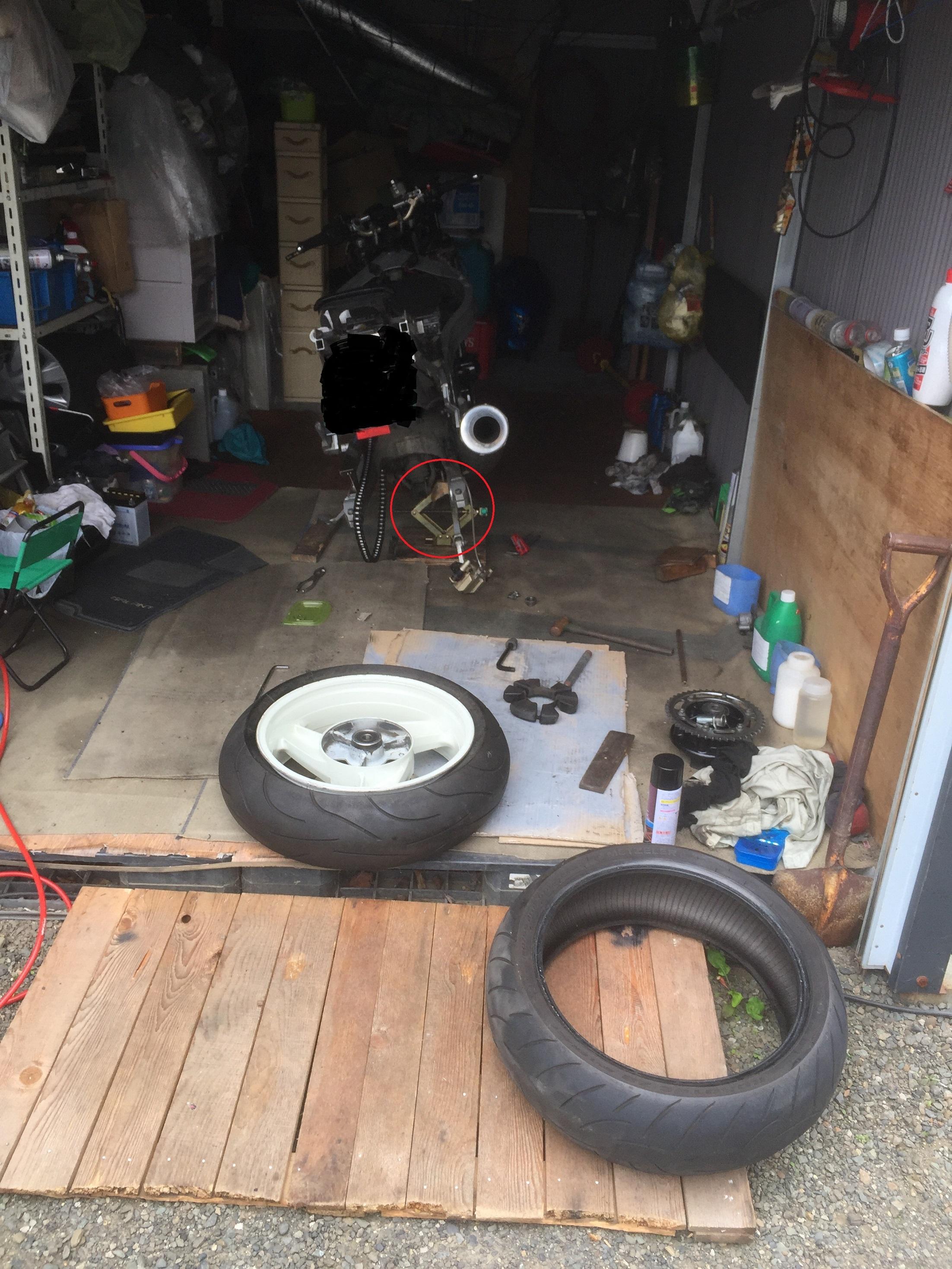 バイク タイヤ 交換